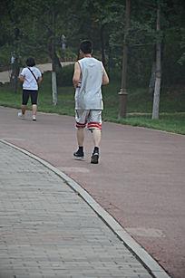 小黑人_跑步背影图片_跑步背影设计素材_红动网