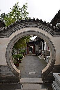 十笏园园林景观之圆形拱门