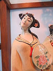 古代侍女雕塑
