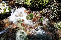 梦幻的峡谷溪流