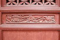 木门面上雕刻的图案花纹