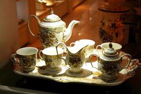 高贵陶瓷餐具