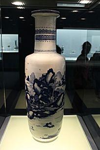 青花山水风景高瓶
