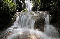 洛阳重渡沟的溪流银瀑