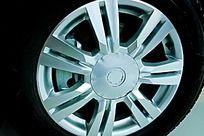 汽车轮毂轮胎