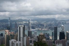 香港维多利亚海边蓝天白云城市俯瞰