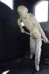 蒸汽机车英国著名发明家瓦特雕像