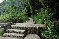 梁野山的石头小路