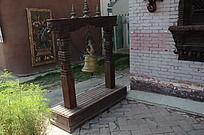 藏传佛教寺庙中的铃铛法器