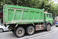 绿色大卡车