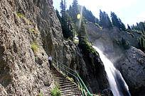 天山风景高山流水瀑布