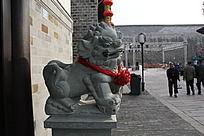 房子前的石狮子