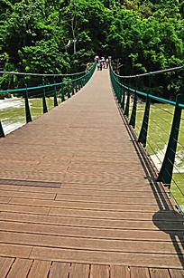 黄果树瀑布铁索桥