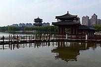 大唐芙蓉园的凉亭小桥