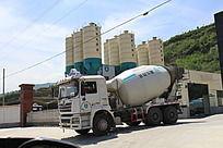 水泥大货车