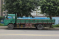 绿色拉货车