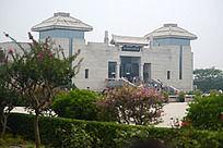 秦始皇陵博物馆的现代风格建筑