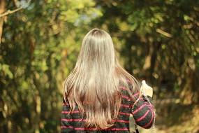 飘逸的秀发