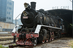 废弃的火车头