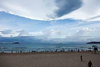 亚龙湾沙滩与大海