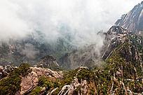 黄山春  云雾缭绕的玉屏楼