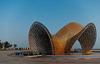 广场雕塑全景