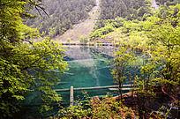 卧龙海的蓝色湖泊