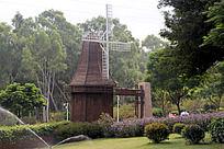 公园里的大风车