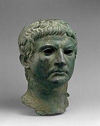 青铜中年男人头像人物雕像