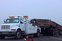车祸现大货车高速公路发生车祸场