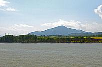 高山湖泊美景