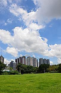 蓝天与高楼大厦