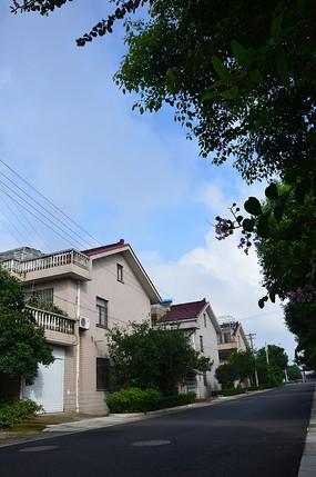 蓝天和房子