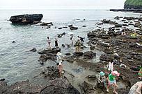 涠洲岛 被海水冲刷的火山岩海滩