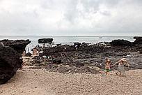 涠洲岛  火山岩形成的海滩