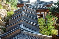 层层叠叠的瓦屋顶