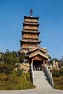 高大的木质高塔