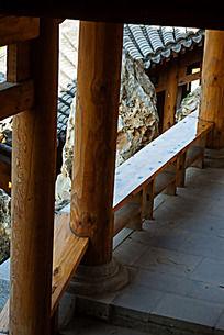 回廊上的柱子