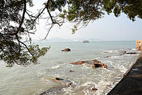 大海边水浪风景图