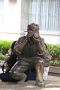 公园男性人物雕塑