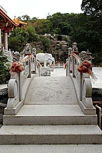 花纹图案雕刻大理石拱桥建筑