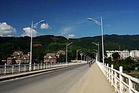 景洪市联通澜沧江两岸的公路桥面