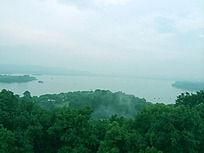雷峰塔远望西湖美景