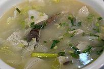 豆腐炖白菜鲜汤