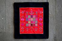 传统花纹刺绣