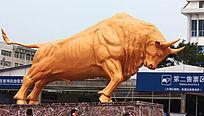 昆明站广场的铜牛雕塑