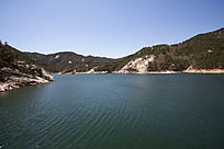 昆嵛山水库清澈的水
