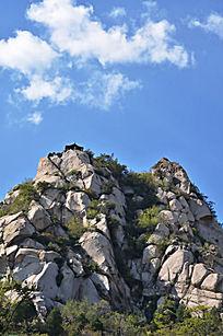 天然形成石头堆叠的凤凰岭山脉
