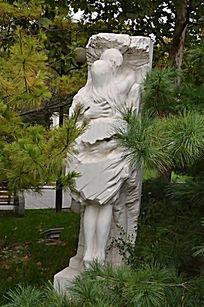 《相爱在他乡》艺术雕塑
