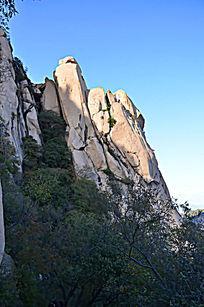 层层叠叠的山石